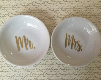Mr. & Mrs. Ring Holder / Ring Bearer Porcelain Dish Set (set of 2)