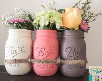 Valentine's Day Gift. Mason Jars. Distressed Mason Jars. Mason Jars Flower Vase. Mason Jars Centerpiece.