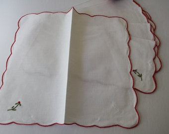 Set of 6 Napkins, UNUSED, napkins /serviettes, NEW vintage linens - red embroidered scalloped edges - embroidered red /green flower /leaves
