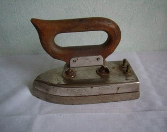 Antique iron in the 1940s, French Vintage steel