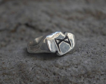 Mannaz Madhr VIKING Rune Ring in Silver