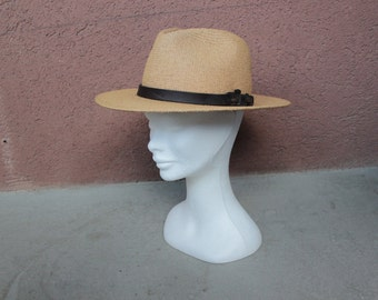 1970's Western Straw Hat - Panama Hat Leather Ornement