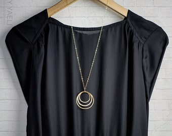 Geometric necklace, triple gold circles necklace, gold necklace, minimalist necklace, everyday necklace, unique necklace, gift for her.