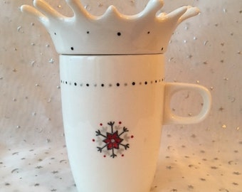 Mug Splash snowflakes gray - red