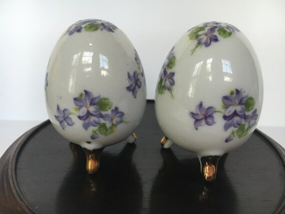 Violet footed egg shaped salt and pepper shakers white - Egg shaped salt and pepper shakers ...
