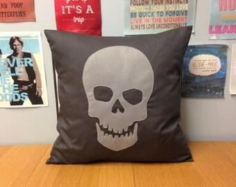 Grey Skull Retro Modern Unique Cushion Pillow Cover Punk Goth Emo Rock Grunge Pirate Skeleton Horror Applique 14 16 18 20 22 24 inch