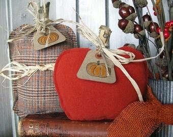 Primitive Wool Pumpkin Set - Fall and Autumn Decor - Rustic Pumpkins