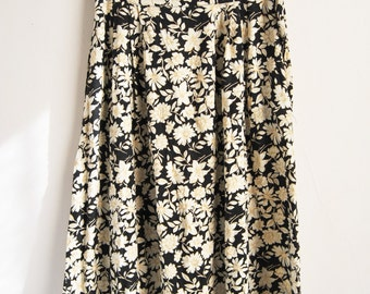 90s Grunge Floral Midi Skirt With Black And White Daisy Pattern