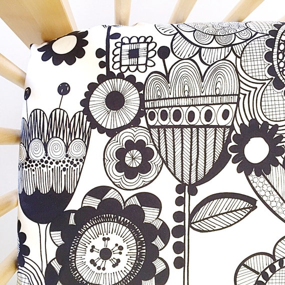 Crib Sheet >> Wild Flower in Black and White >> Baby Toddler Bedding >> ready-to-ship