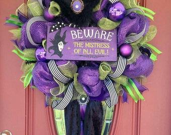 Sale!!!! Maleficent wreath. Maleficent decorations. Maleficent decor. Witch wreath. Halloween wreath. Halloween decor. Disney front door.