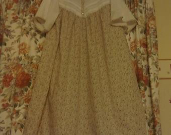 Ladies vintage style polycotton  nightdress