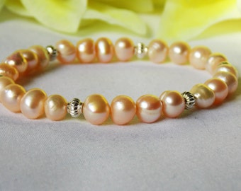 Fresh water pearl and sterling silver bracelet.