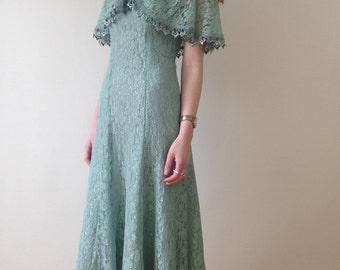 Mint lace party dress (s)
