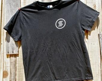 Sanctus Sound Fitted T-Shirt (Black)