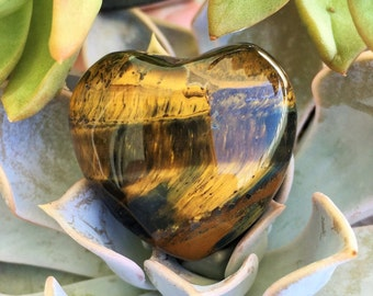 Tigers Eye Heart/ Healing Crystals and Stones/ Girlfriend gift ideas