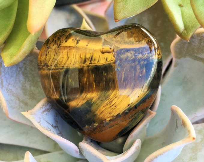 Tiger Eye Heart / Healing Crystals and Stones / Girlfriend gift ideas