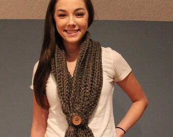 Crochet chunky infinity scarf with removable button sleeve