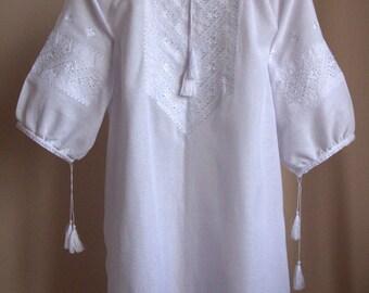 Boho blouse vyshyvanka embroidered shirt Gypsy blouse Peasant blouse White blouse Ukrainian gift