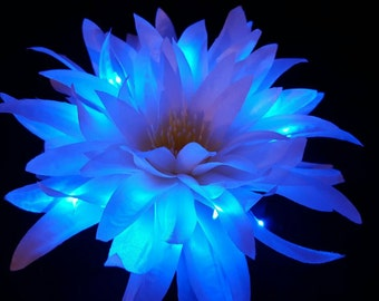 Large White Spider Chrysanthemum LED Flower Hair Clip with Blue Glow