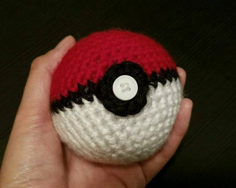 Crochet Plushie Pokeball from Pokemon