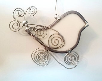 White Glass Bird Suncatcher with Wirework