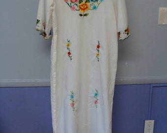 Vintage Embroidered Dress Kaftan Cover Up Cotton Tunic Lightweight Flowers Colorful 60's Maxi Dress Hippie Boho Free Spirit Bohemian Gypsy