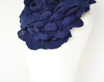 Navy Blue Scallop Knit Snood/Infinity/Loop/Tube/Cowl/Scarf/Neck Warmer/Chunky/Winter Warm/Wrap/Collar/Ladies Fashion/Teen Gift/Soft Feel