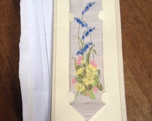 Beautiful Vintage Cash's of Coventry Woven Silk Bookmark With A Lovely Floral Motif. In Excellent Brand New Condition