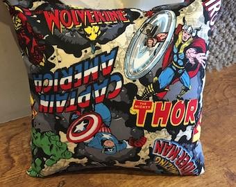 Charactears Marvel / Superhero Cushion