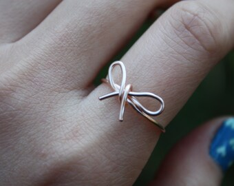 Rose Gold Bow Ring//Bow ring, Wire Bow ring, Thin rose gold ring, Dainty Ring, Wire Wrapped, Elegant Ring, Tied Ring, Bow tie Ring,Gift