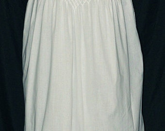 Sleeveless Smocked Short White Cotton Gown - 1226