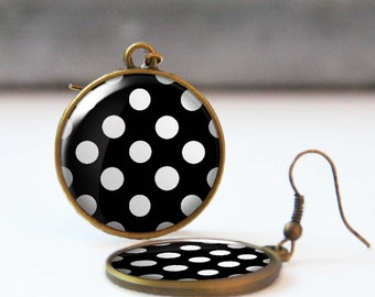 Black and white polka dot earrings, Rockabilly Jewelry, Round earrings, Resin Jewelry, Retro 50's earrings, 5006-24