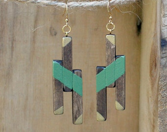 Wooden Earrings, Geometric Earrings, Spring Earrings, Geometric Wood, Natural Wood, Olive green, Handmade earrings, Gold earrings, Dark Wood