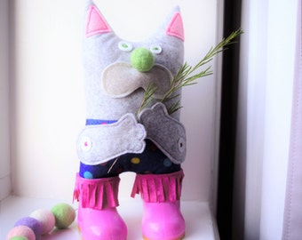 "Educational toy cat, stuffed toy for kids, stuffed felt cat ""Moor"""