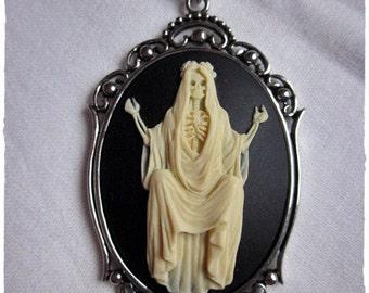 Santa Muerte Halskette