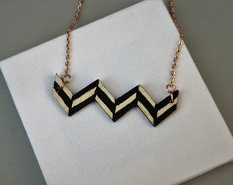 black white zigzag wood necklace. black white geometric necklace. handpainted wood necklace
