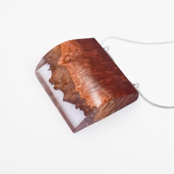 Collier en résine, collier moderne, Boho Chic, bijoux faits main, collier, bijoux naturels, cadeau d'anniversaire, unique en son genre en bois