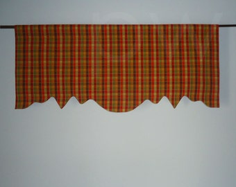 Scalloped Valance in Harvest, Lined