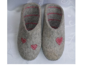 Women's shoes. Grey felted wool slippers with hearts for women - gift
