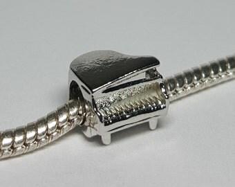 Silver Grand Piano Charm for European Bracelets (item 139)
