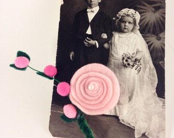 Pink wedding boutineer, blush pink boutineer, felt flower boutineer, pearl boutineer, groomsmen boutineer, groom boutonnière,