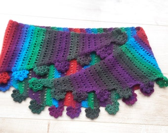 Handmade crochet baktusshawl with flower border
