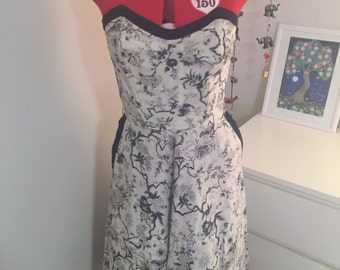 SALE 1950s strapless full skirt dress