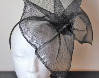 Black flower fascinator, floral fascinator, wedding fascinator, black headpiece, flower headpiece, black hairband, wedding headpiece