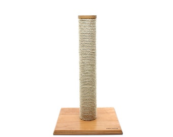 Solid wood scratching post / cat tree