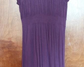 comfortable purple knee-length dress - small
