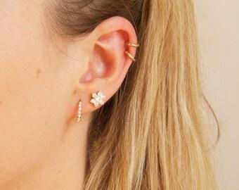 Cz studs - gold earrings - gold studs - gold stud earrings - flower earrings - cluster earrings - stud earrings - cz studs - flower - E10979
