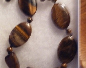 18 3/4' natural tiger's eye gemstone necklace