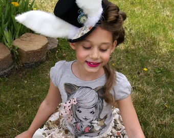 White Rabbit Hat, mad hatter, mini top hat, Alice in wonderland hat, fairy tale mini hat, Tea Party hat, Princess Hat