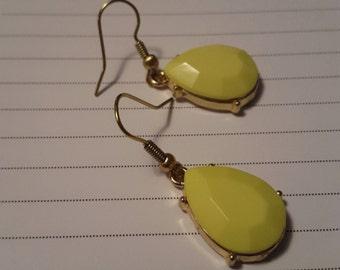 Hubby's Yellow/Green Teardrop Dangle Earrings
